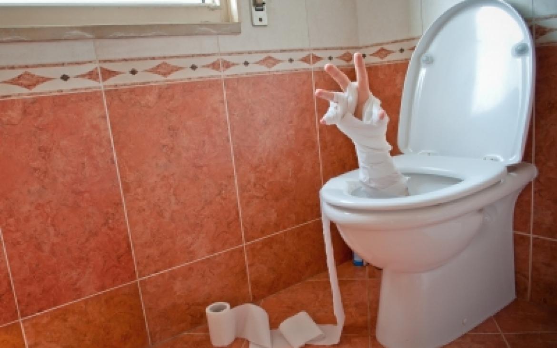 http://blackboxsocialmedia.com/wp-content/uploads/bfi_thumb/hand-coming-out-of-toilet-1l5hpi9f6nvkbg2zmutk42szkld41chlhthmdi7rylss.jpg